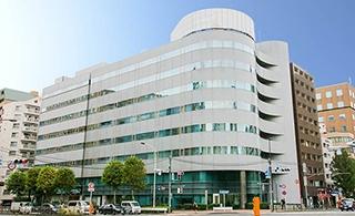 2019年2月、新富町駅目の前に「TKP築地新富町カンファレンスセンター」がオープン。全8部屋・定員12名~210名収容可能な会議室。