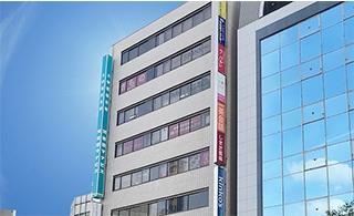 2019年1月25日、「TKP千葉駅東口ビジネスセンター」がオープン!JR千葉駅徒歩4分。6名から93名様まで収容可能な1フロア・全5部屋をご用意しております。