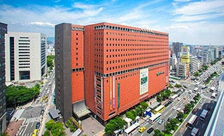 2019年9月1日オープン! 福岡の中心天神。その天神どまんなかに立地。TKPガーデンシティPREMIUM天神スカイホール,ただいまご予約受付中!