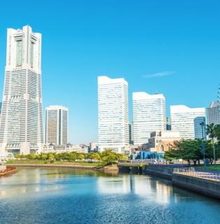 みなとみらい駅徒歩3分。「TKPガーデンシティPREMIUM横浜ランドマークタワー」オープン! 横浜ランドマークタワー25F。オーシャンビューの明るい会議室。