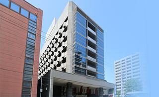 2016年8月1日、「アパホテル〈TKP札幌駅北口〉EXCELLENT」がオープン! 札幌駅北口徒歩5分、最上階には大浴場も完備したビジネスホテルです。ホテル内レストランでの貸切パーティーも承ります。